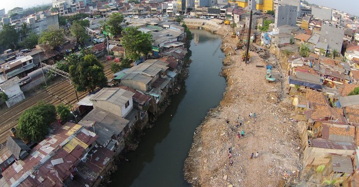 Kampung Pulo Settlement, source: news.detik.com, 2017